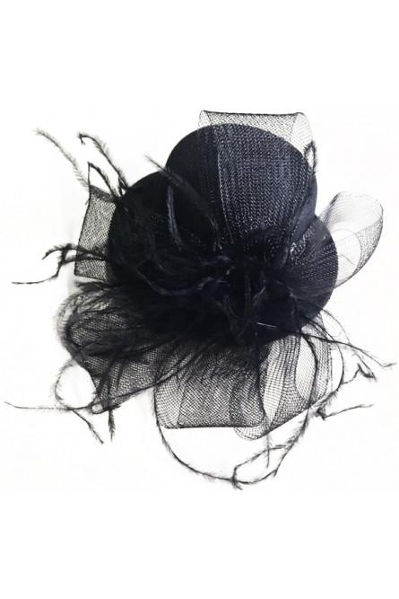 Шляпка черная с перьями