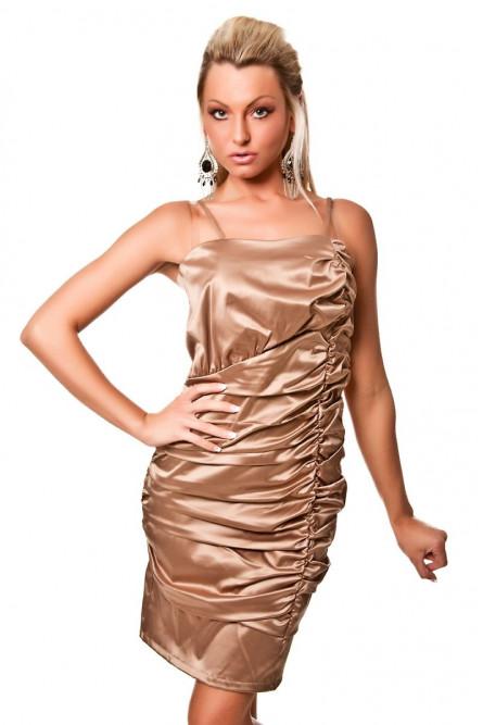Темно-золотое платье со складками