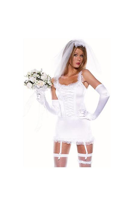 Костюм невесты с фатой