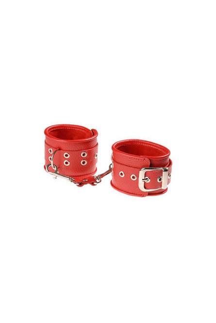 Красные кожаные оковы