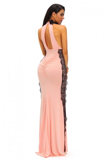 Розовое платье с черным кружевом