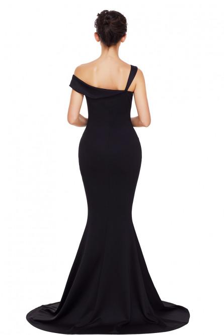 Вечернее черное платье в пол