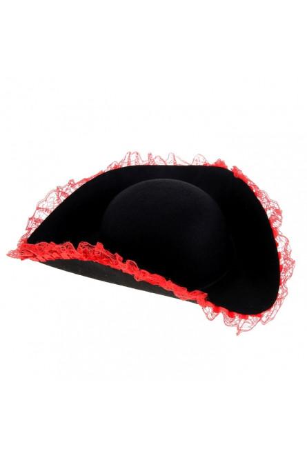 Черная шляпа с красным кружевом
