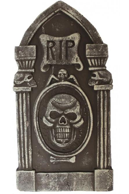 Декоративное надгробие с черепами