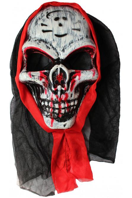 Маска кровавого черепа в капюшоне