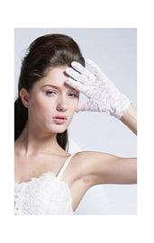 Перчатки белые короткие