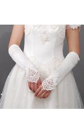 Перчатки белые с кружевом