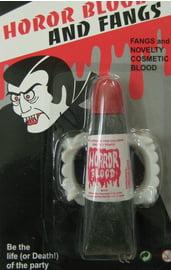 Челюсть вампира с кровью