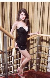Платье черное с паетками