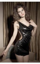 Платье виниловое с открытой спиной