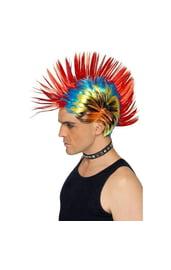 Яркий парик уличного панка