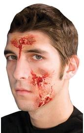 Кровавые раны на лицо