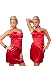Красное платье со стразами