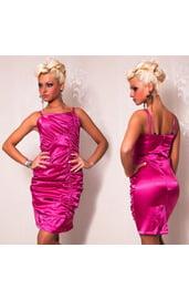 Розовое платье со складками
