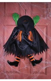 Фигура ведьмы с оранжевыми волосами