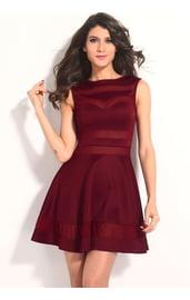 Полупрозрачное красное платье