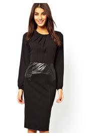 Черное платье-карандаш