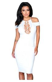 Белое платье со шнуровкой на груди