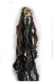Декорация подвесной скелет в лохмотьях