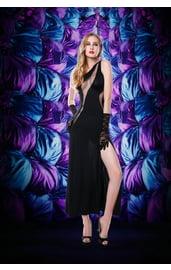 Черное платье с перчатками