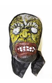 Латексная маска с выпученными глазами