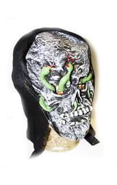 Маска черепа со змеями
