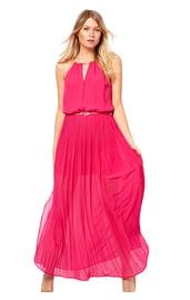 Легкое платье цвета фуксии