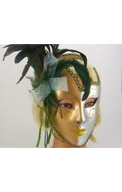 Венецианская маска с перьями