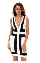 Черно-белое платье с линиями