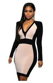 Платье с черными рукавами