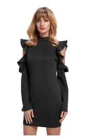 Черное платье с вырезами на плечах