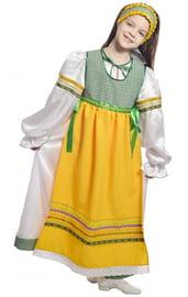 Желто-зеленый народный костюм