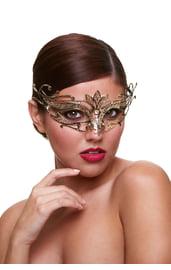 Золотая металлическая маска