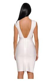 Белое платье с разрезом