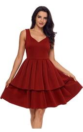Красное платье с широкой юбкой