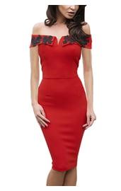 Красное платье футляр с узором