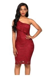 Бордовое платье с оборкой