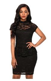 Черное платье с кружевом
