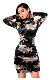 Бархатное платье с цветами