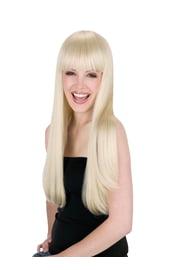 Светлые длинные волосы с челкой