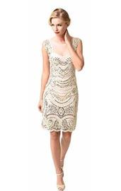 Белое платье девушки из 20х
