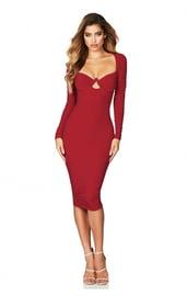 Соблазнительное красное платье