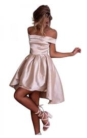 Светлое розовое платье