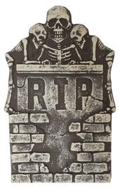 Надгробие с тремя скелетами