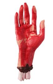Рука с торчащей костью