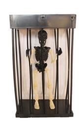 Декорация Реалистичный скелет в клетке