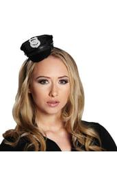 Маленькая полицейская фуражка на ободке