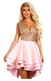 Розовое платье с блестящим лифом