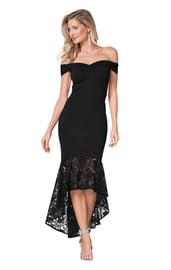Черное платье с кружевным подолом