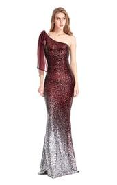 Красное блестящее длинное платье